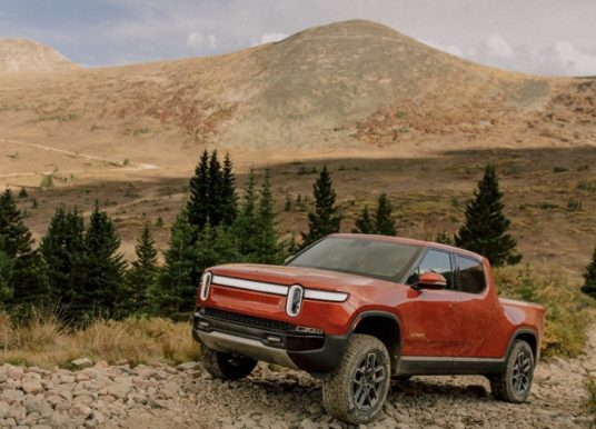 Review: 2022 Rivian R1T E-Truck Is in a League of Its Own